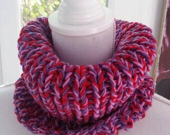 Snood multicolore tricoté à la main en pure laine mérinos