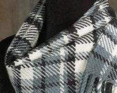 Handwoven scarf / plaid scarf / merino wool scarf / winter scarf