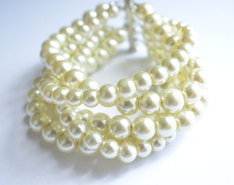 The Janelle- Ivory Glass Pearl Chunky Bracelet