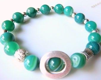 Dainty Agate Gemstone Bracelet, Green  Stretch Stackable Bracelet, Gemstone Stretch Bracelet, Silver Agate Jewelry, Geometric Bracelet