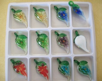 US Shipper - Inner Flower Lampwork Pendants - Leaf - Pepper