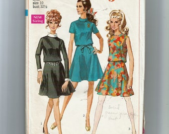 Simplicity  Misses' Dress With Detachable Collar and Cuffs Pattern 7753