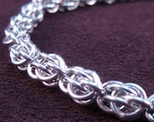 Petite Sweetpea Bracelet - Chain Maille - Small Weave