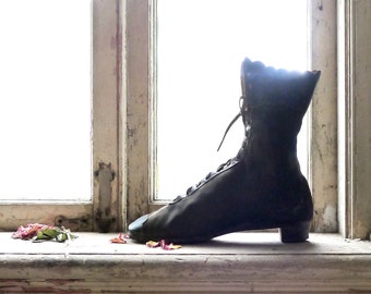 Victorian Canvas and Leather Lace Up Single Boot for Decor