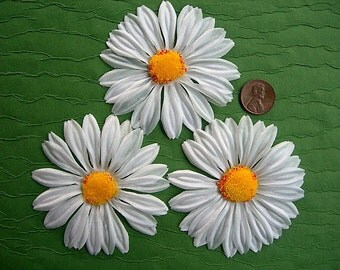 "Extra Large DAISIES Flower Blossoms Vintage Millinery Supplies 3"" lot of 3"