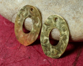 Hand hammered solid brass oval drop dangle size 18x12mm, 4 pcs (item ID XW02911K)