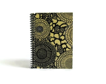 Japan Chrysanthemums Spiral Cute Blank Notebook 4x6 Inches Small, Back to School, A6 Sketchbook, Pocket Spiral Bound Writing Journal Diary