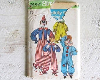 SAVE 31% - Vintage Uncut Simplicity 9051 Halloween Costume Pattern - Clown - Large Adult 40-42