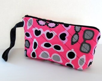 Pink Sunglass Wristlet, Quilted Eyeglass Wristlet, iPhone6 Plus, Samsung 5 and 6 Carryall Wristlet, Handmade by AnnieKDesigns