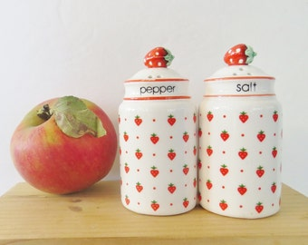 Cottage red and white strawberry shakers, Josef Original, Japan