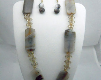 Bown Banded Agate Necklace and Earrings Set