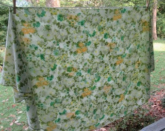Vintage Large Round  Tablecloth - Olive Yellow Teal - Daisy Floral