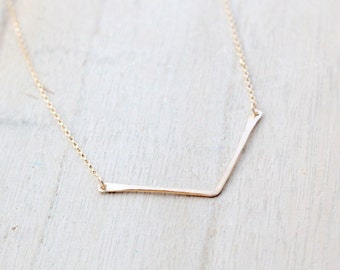 Chevron Layering Necklace , Gold or Silver Dainty V hammered necklace , Minimalist Everyday Jewelry