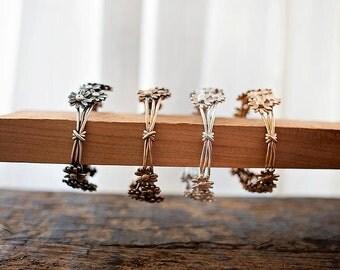 Daisy Chain Bangle | Bronze
