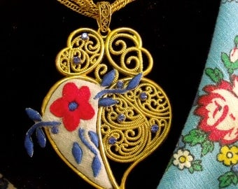 Portugal embroidered Heart of Viana necklace Folk filigree