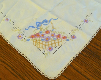 Vintage Embroidered Square Linen Table Cloth with 4 Matching Linen Napkins - Basket of Flowers