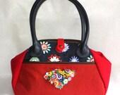 Vintage Flower Carpet Bag Handbag in Navy and Red with pockets