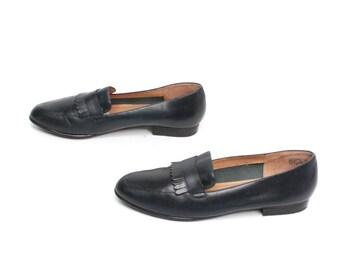 size 7 OXFORD navy blue leather 80s 90s FRINGE slip on flats