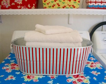 Circus Stripe X-Large Oval Galvanized Metal Storage Tub