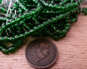 100 4mm Vintage Emerald Green Glass Beads C37