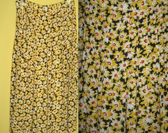 Pleated Sunflower Skirt . Gianni . Sunflower Skirt . pleated skirt . yellow sunflower skirt