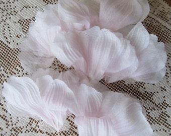 Vintage Millinery Flowers Pale Pink Silk Fabric Flowers Japan 1950s  VF 080 LP
