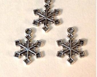 9 Snowflake Holiday Christmas Charm - Antique Silver - SC146#GW