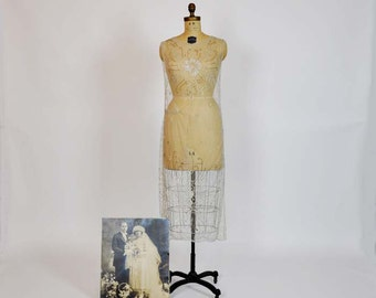 1920s  tunic / Vintage 20's Art Deco Sequin Net Tabard Tunic w/ org Wedding Photo