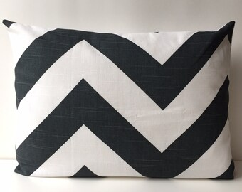 14x18 midnight and white, chevron pattern