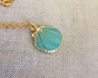 Gold Enameled Shell Necklace