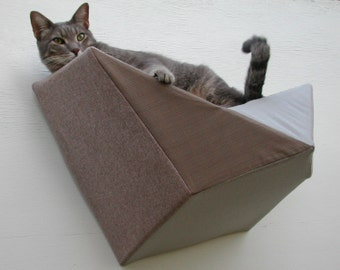 Cat shelf wall bed in taupe tweed and grey