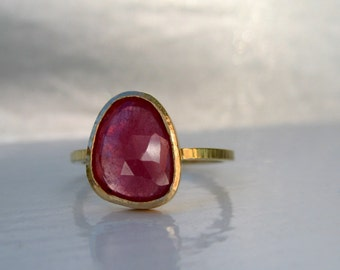 SALE Pink rose cut bezel set sapphire and 18kt yellow gold hammered ring