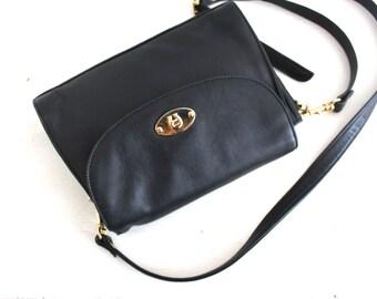 vintage minimal aigner purse.