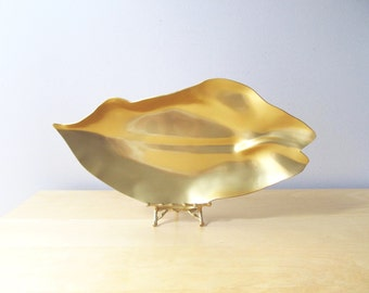 large gold lily serving tray neocraft everlast aluminum hollywood regency midcentury glam