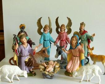 Christmas Creche,Creche Nativity scene,Italy 1960s,vintage Christmas creche,Mary,Joseph,Baby Jesus,2 angels