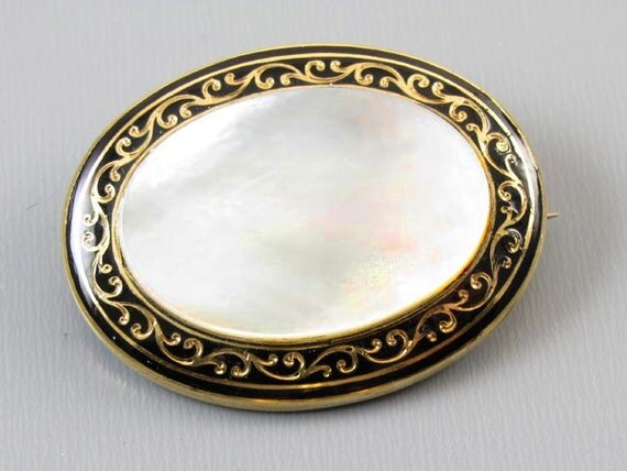 Antique mid Victorian 14k gold black Taille d'Epargné enamel mother of pearl brooch pin
