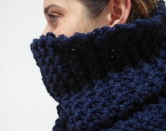 THE MAPLE cowl / scarf infinity warm chunky knit / NAVY limited edition colour / wool blend