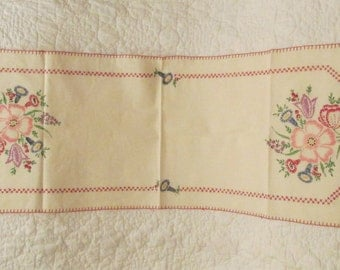 Vintage Table Runner Embroidered Handmade Table scarf