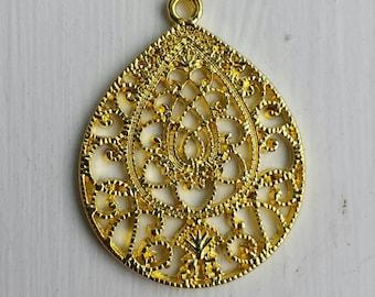 10  - Gold filigree teardrop oval pendant drop, Connector, Link