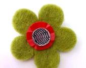Handmade Wool Felt 'MOD FLOWER' Brooch with Vintage Buttons - Olive Green and Red