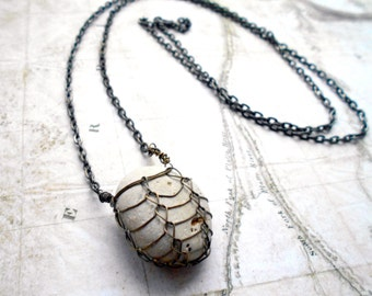 Offwhite Beach Stone Cage Necklace