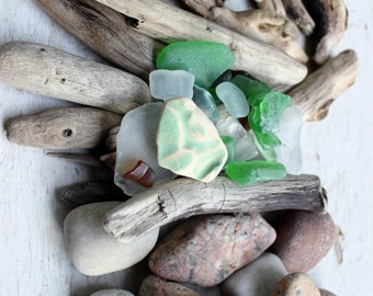 Natural Home Decor Beachcomber Collection of  Driftwood Pieces, Seaglass , Pottery and Rocks for Home Decor BC6