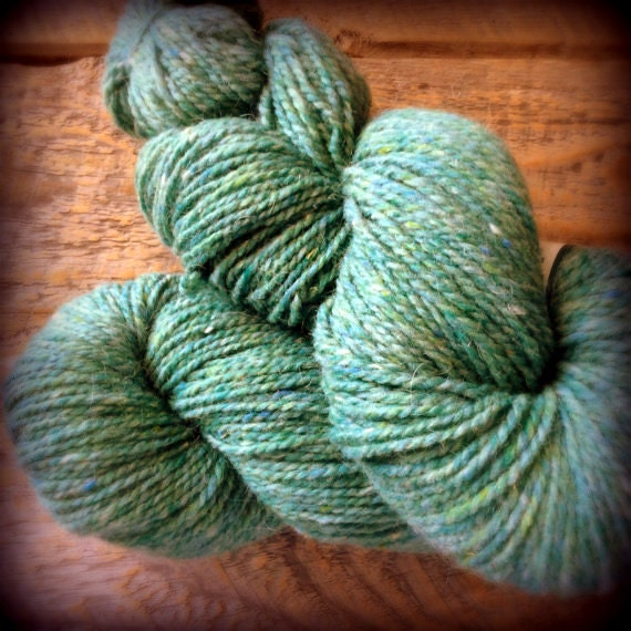 Worsted weight wool - Island Paradise, sea green yarn, Peace Fleece 200 yards Kamchatka Seamoss
