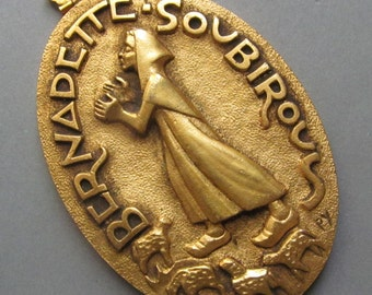 Antique Fernand Py Religious Medal Saint Bernadette French Large Gold Plated Catholic Pendant    SS258