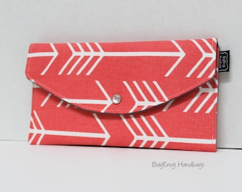 Arrows in Coral - with Grey Lining - Full Size Clutch