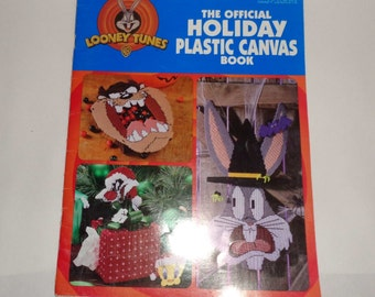 Plastic Canvas LOONEY TUNES Pattern Book Official Holiday Leaflet 1781 Leisure Arts 26 Pages OOP