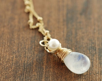 Moonstone Pearl Gold Necklace, Delicate Layering Necklace, Birthstone Jewelry, Moonstone Pendant