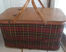 Vintage Redmon Picnic Basket Plaid