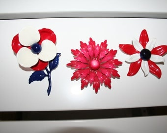 Lot of three vintage flower brooches - red tones - only pay POSTAGE on ONE listing