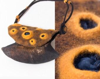 Arty Felt Bag, Rust Felt Bag,  Designer Handbag, Artiste Bag Paris, Original, Outstanding Green Design, unique High Fashion, chocolate brown